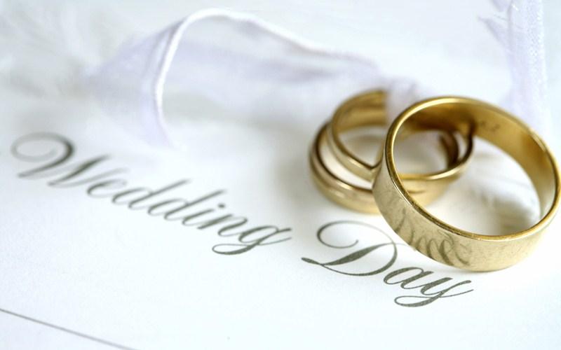 Chi regala le fedi nuziali agli sposi