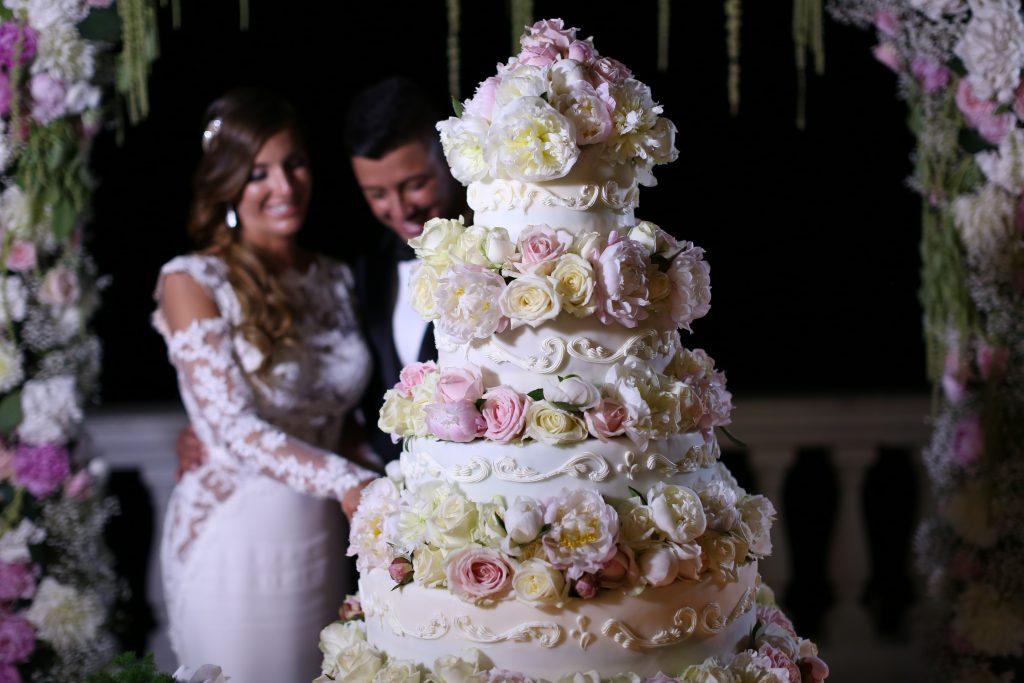 Matrimonio Tema Dolce Vita : Torta nuziale la dolce scelta degli sposi obiettivi d arte
